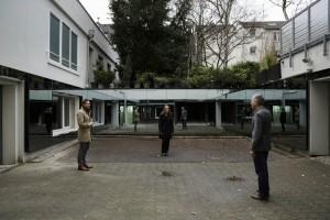 Hof mit Spiegeln. Foto: NS-DOK, Jörn Neumann