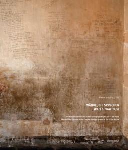 Werner Jung (Hg.): »Wände, die sprechen. (Walls that talk). Die Wandinschriften im Kölner Gefängnis der Gestapo«. Gebunden mit Schutzumschlag, 420 Seiten, 28x34 cm. Sieben Altarfalze der Zellen zum Ausklappen. Emons Verlag Köln 2013, 69,90 Euro.