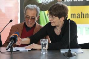 Rechtsanwältin Gabriele Heinecke mit ihrem Mandanten, dem Überlebenden Enrico Pieri