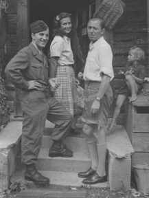 Dr. Franz Josef Pfister mit Familie in Oberstdorf, aufgenommen 1946 oder 1947. Foto: Privat