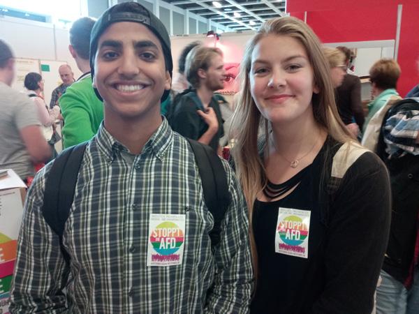 Unser Titelbild: Junge Gäste am Stand der VVN auf dem Kirchentag in Berlin (siehe auch Seite 6)