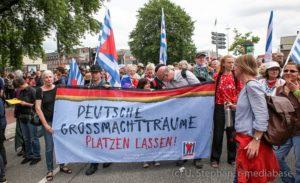 VVN-BdA auf der Großdemonstration in Hamburg gegen den G20 Gipfel. Ulf Stephan, r-mediabase