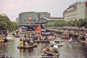27. Mai 2018, Berlin. Boots-Demonstration gegen AfD-Aufmarsch. Foto: Sören Kohlhuber.
