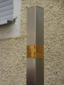»Erinnerungszeichen«: Gedenk-Stele für Ludwig Holleis in München-Sendling. Foto: Antoni
