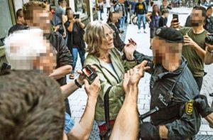 Agressive Polizei bei Demonstration in Stuttgart