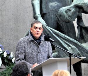Romani Rose, Vorsitzender des Zentralrats deutscher Sinti und Roma, während seiner Rede. Foto: Wilhelm Girod