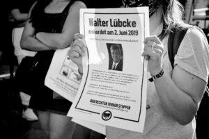 Am ersten Todestag von Walter Lübcke, dem 2. Juni 2020, gingen in Berlin Antifaschist*innen auf die Straße