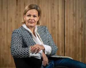 Nancy Faeser ist Abgeordnete im Hessischen Landtag. Außerdem ist sie Vorsitzende der SPD Hessen sowie Vorsitzende der Landtagsfraktion.